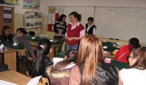 Elena Căpruciu, coach, le-a captat atenția copiilor