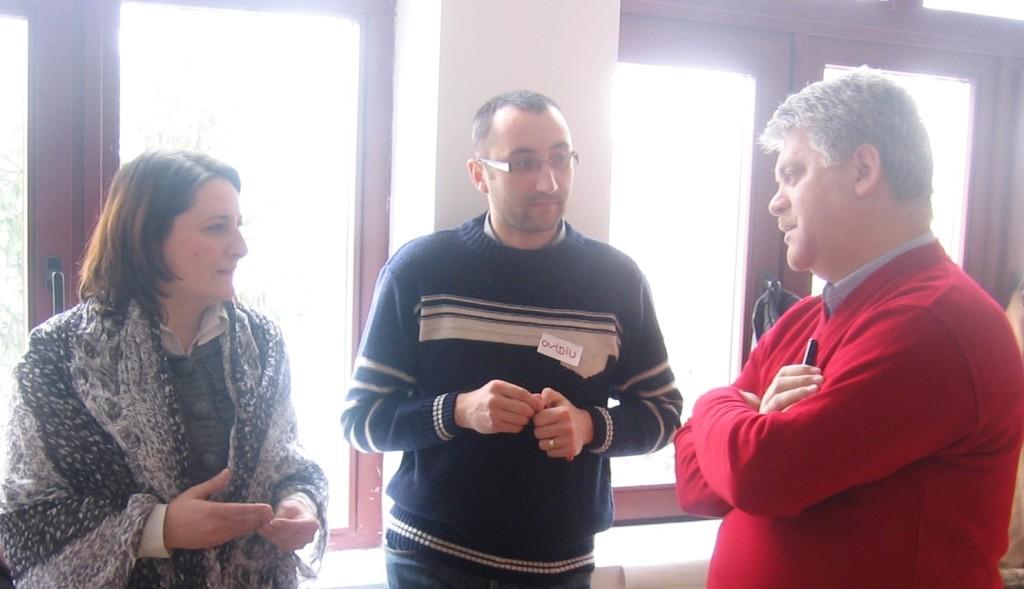 Primarul Căiln Andrei, în discuție cu Sorina Nagy și Ovidiu Popescu, profesori
