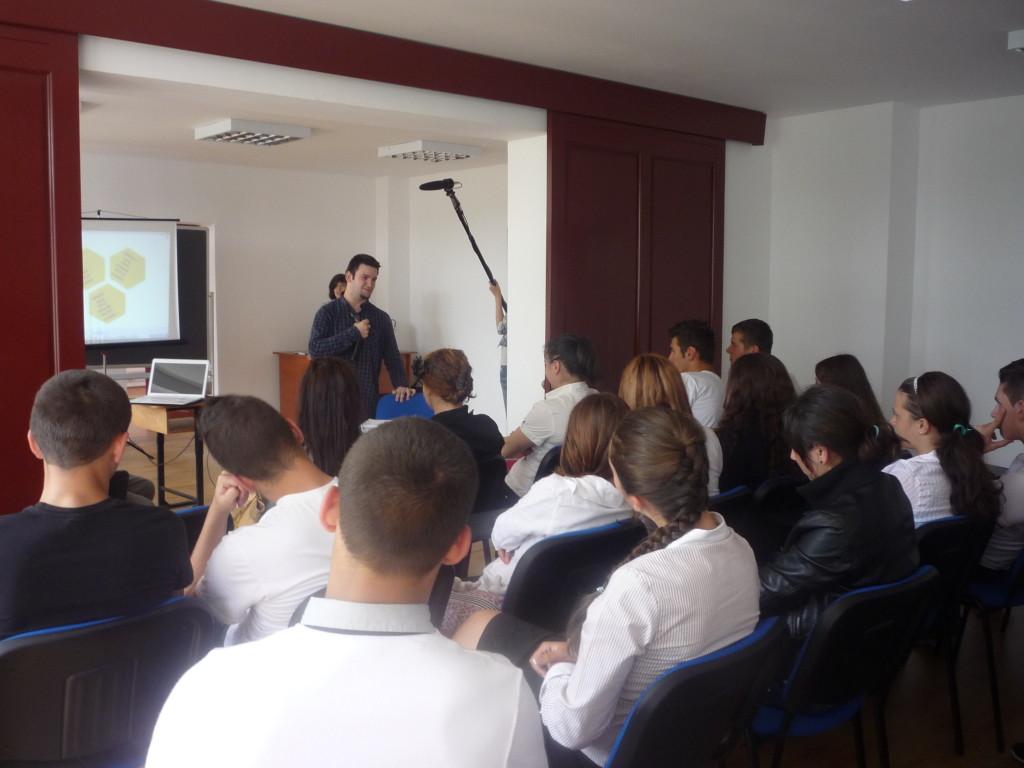 Tedy Necula la întâlnirea cu elevii