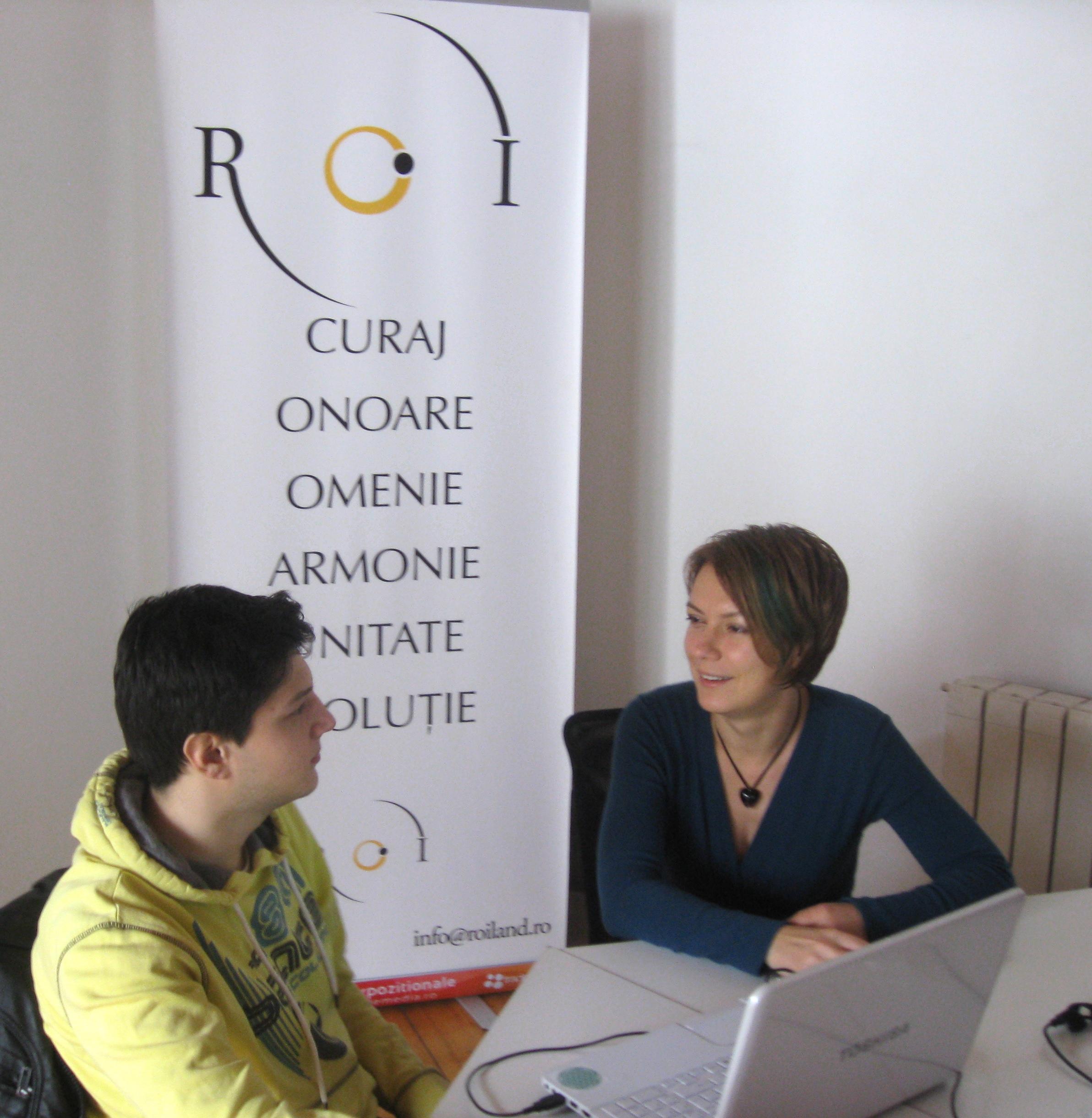 Simona David-Crisbășanu și Robert Guță, voluntar